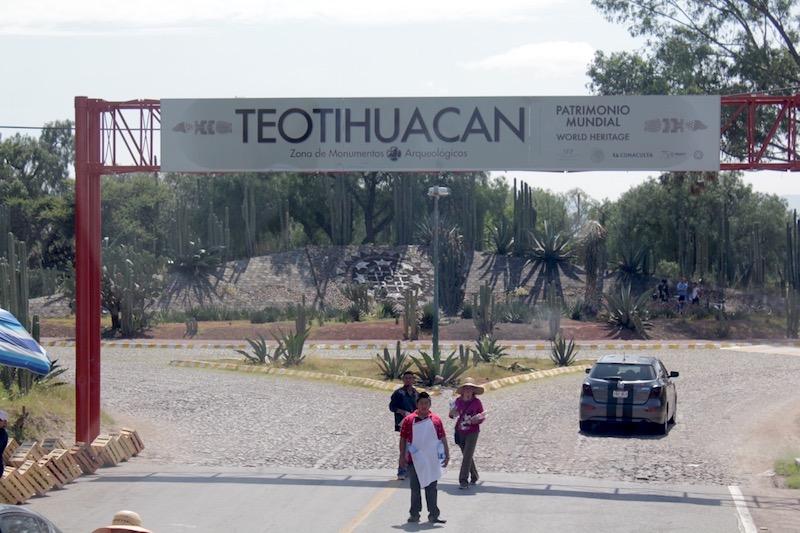 Fot. Tomasz Jakubowski / MojeWedrowki.pl / Wjazd na teren Teotihuacan
