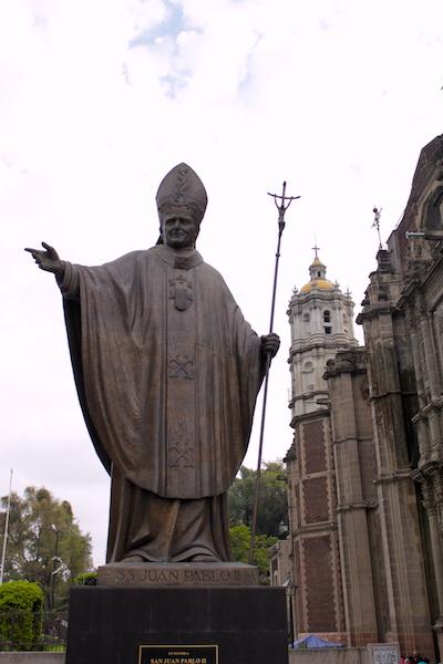 Fot. Tomasz Jakubowski / MojeWedrowki.pl / Pomnik Św Jana Pawła II