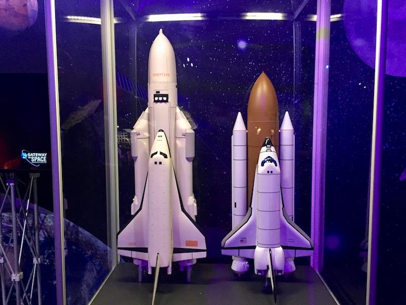 Fot. Tomasz Jakubowski / MojeWedrowki.pl / Modele promów kosmicznych - Buran (ZSRR) i Atlantis (USA)